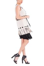 eva_varro-grommet-fringe-vest-white-2763fe71_s