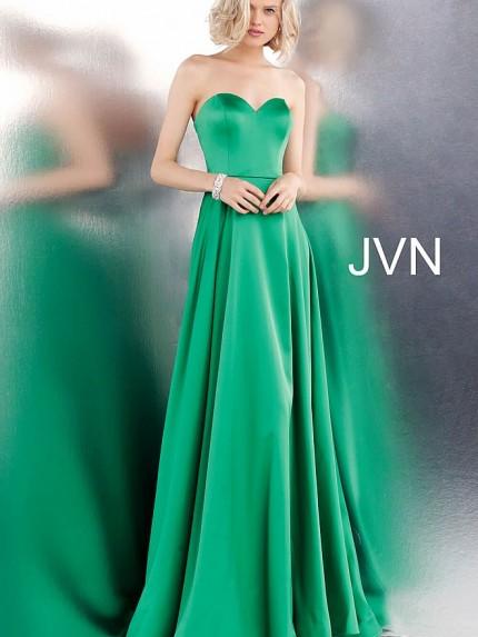 jvn67753-660x990