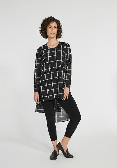 symplifall-winter-2020_9303-3_whisper-step-over-long-sleeve_crosshatch-large_2_400x